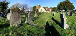 minstead-churchyard-in-winter-sun